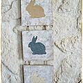 Déco de pâques jute-jean-papier jauni : un triptyque lapins