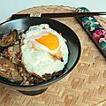 Wok de riz teriyaki-sésame aux courgettes