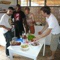 les hommes à la cuisine