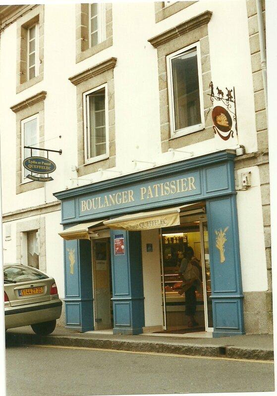 Boulangerie Queffelec à Plestin (22) août 2002