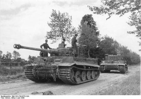 Bundesarchiv_Bild_101I-738-0275-10A,_Bei_Villers-Bocage,_Panzer_VI_(Tiger_I)