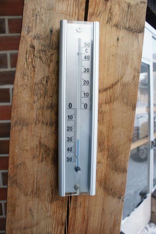 - 32 °C