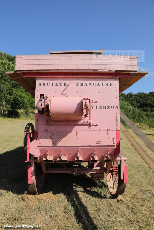 Photos JMP©Koufra 12 - Cornus - Rando Tracteurs - batteuse - 11082019 - 0015
