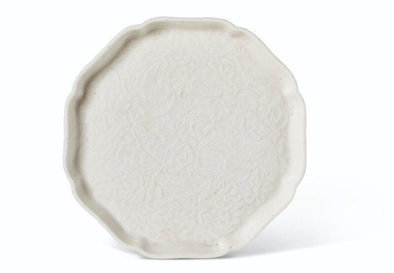2020_NYR_19039_0869_000(a_molded_soft_paste_lobed_octagonal_dish_china_qing_dynasty_18th_centu031447)