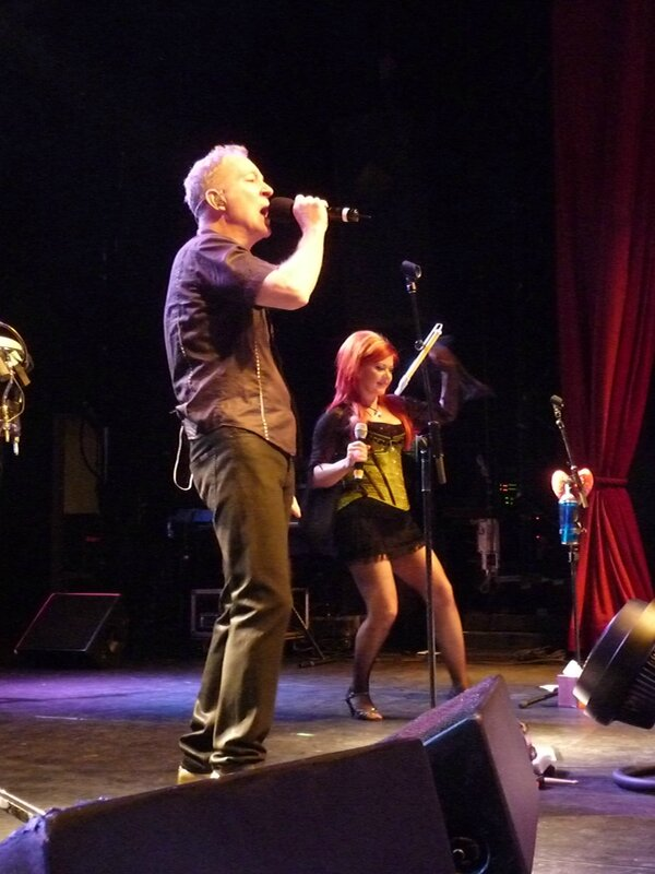 2008 07 The B52s Bataclan 003