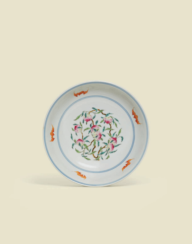 A famille rose 'Peach and Bats' dish, Qianlong six-character seal mark in underglaze blue and of the period (1736-1795)