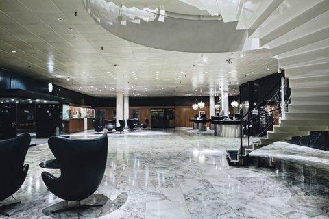 2631759-Radisson-Blu-Royal-Hotel-Copenhagen-Lobby-1-DEF