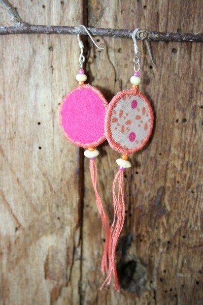 Boucles d'oreilles rose tissu feutrine lalilalo créations et récréations (1)