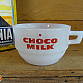 Vaisselle pub ... tasse choco milk