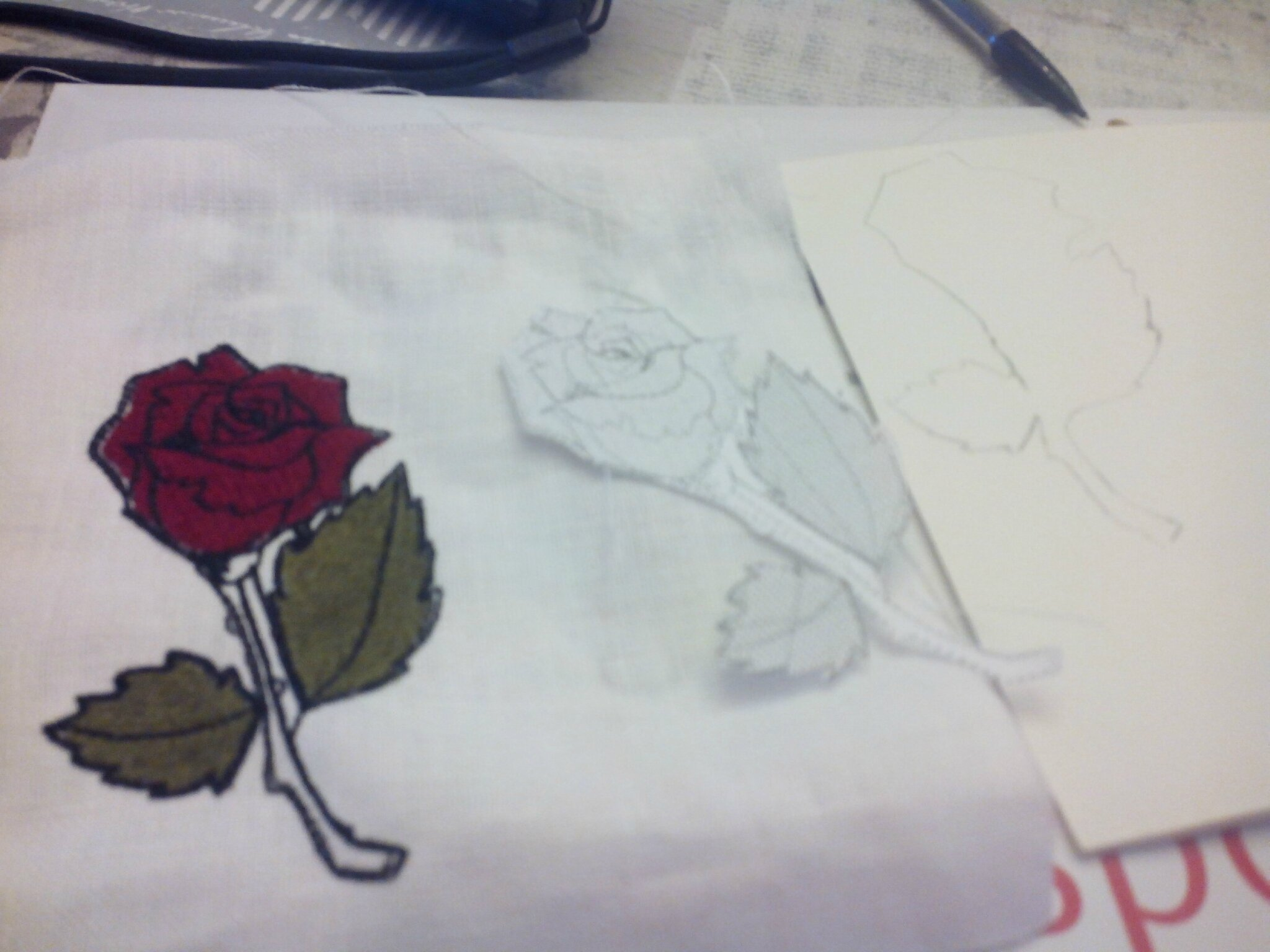 BOUTONNIERE ROSE BRODEE URBAN STYLE CARTOON AMD A COUDRE (4)