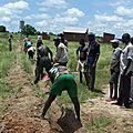Travaux d'adduction d'eau au CSPS et à l'école de Tiogo