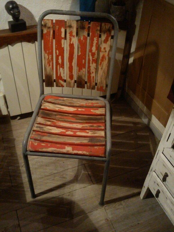 chaise bois et fer