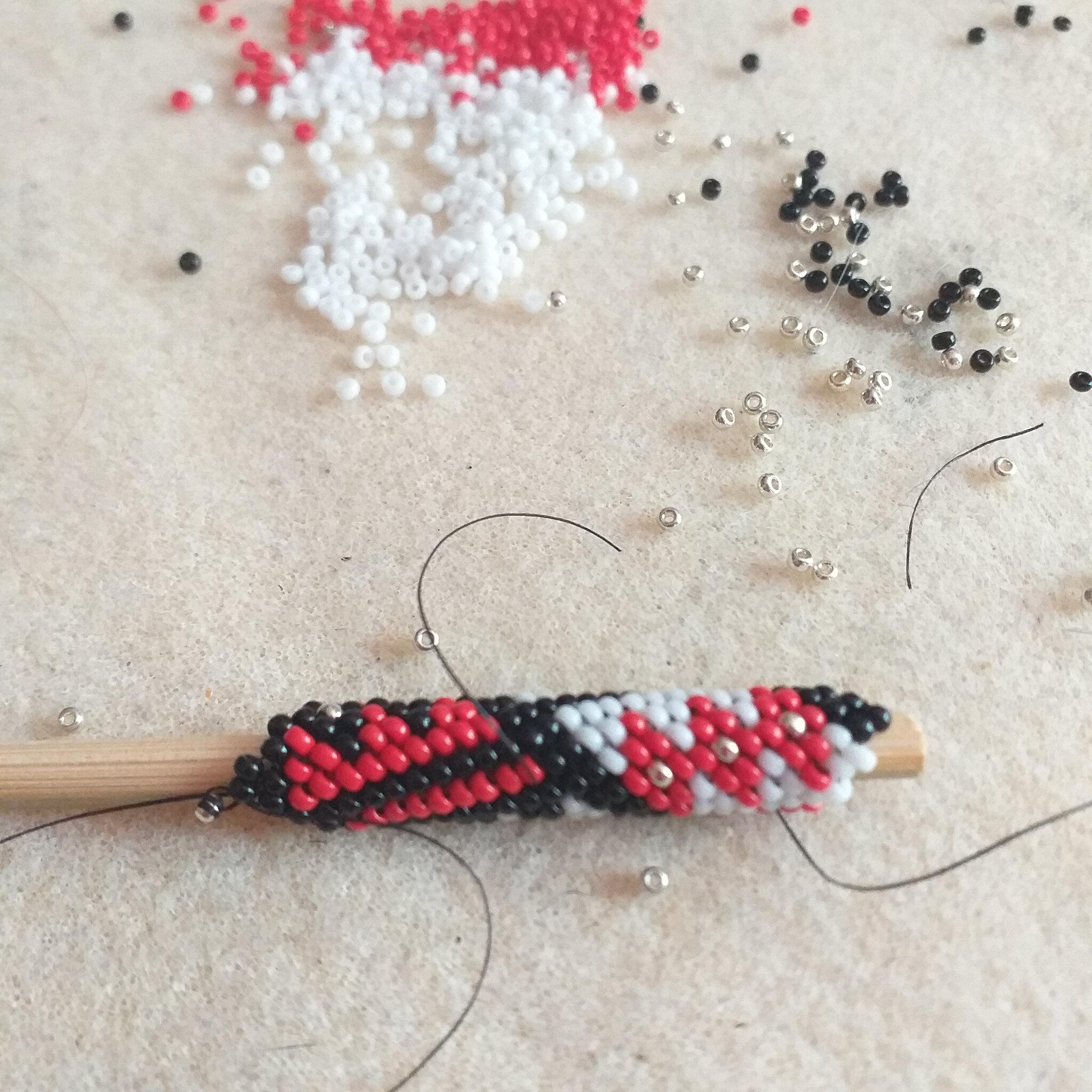 Côté loisirs créatifs...perles miyuki