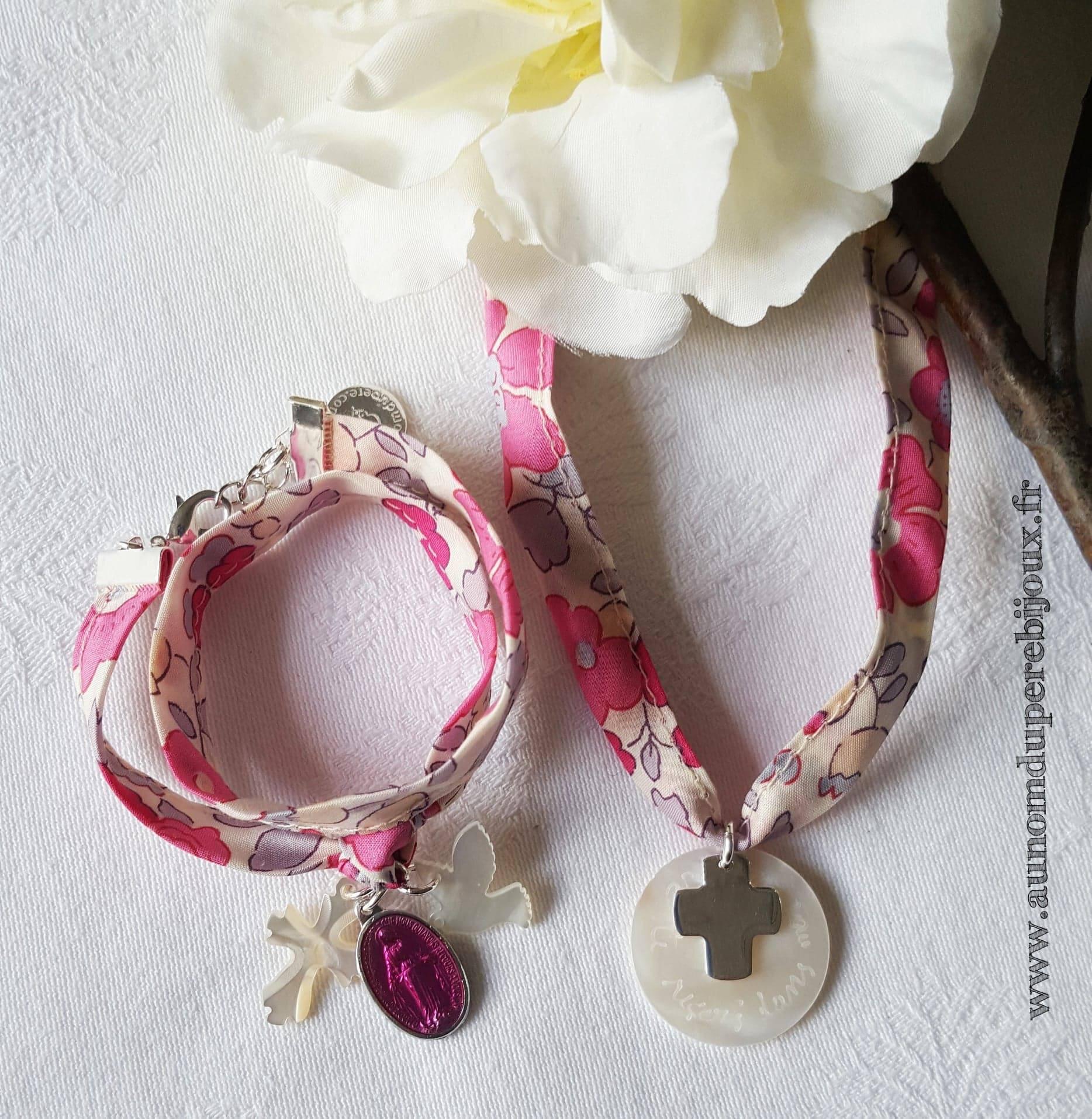 Ensemble bracelet de l'Annonciation et collier de Communion (sur ruban Betsy bougainvillée) - 35 € et 38 €