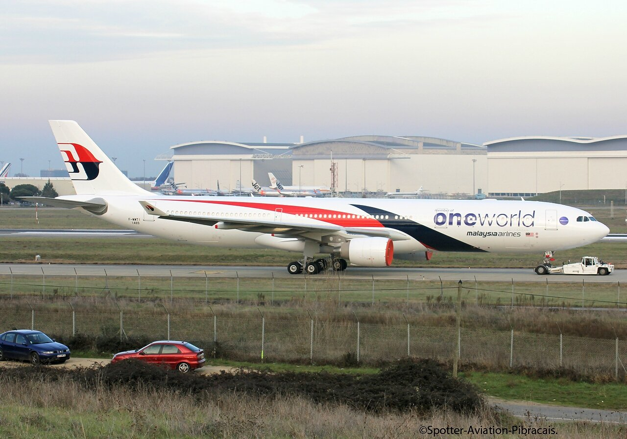 Malaysia Airlines One World