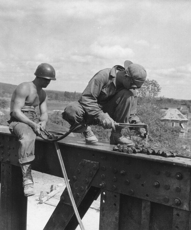 Pontaubault pont SNCF août 1944 332e Bataillon Génie US WWII