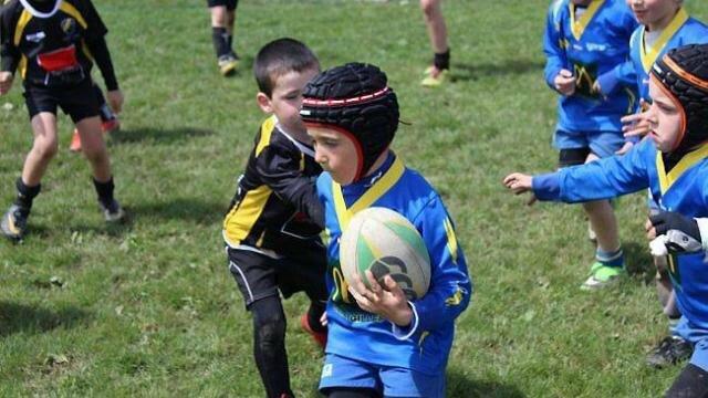 la-pluie-na-pas-effraye-les-jeunes-rugbymen 2014