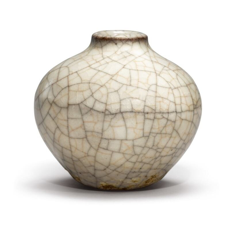 A small Guan-type ovoid jar, Yuan-Early Ming dynasty (1279-1644)
