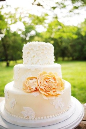Peach_Wedding_Cake_300x450