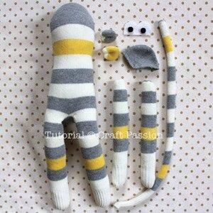 sew-sock-monkey-18