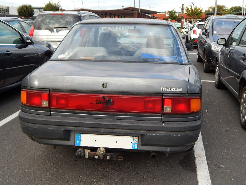 Mazda323BGar