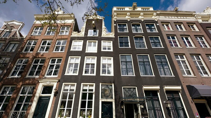 amsterdam-canal-house-299117_1000_560