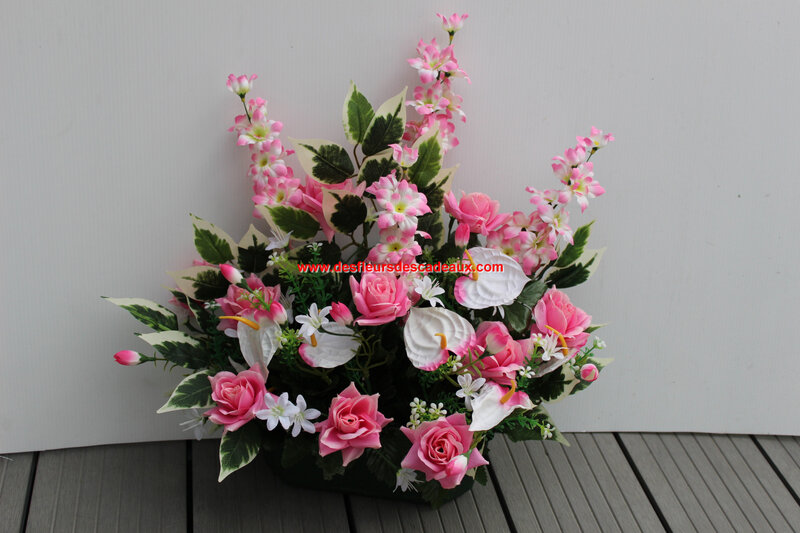 jardinière de fleurs rose et blanche (1)