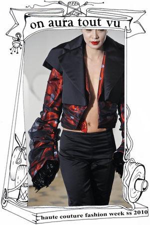 on aura tout vu fashion week paris 2010, double veste en satin sur pantalon trois quart
