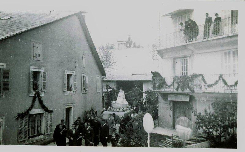 La la procession à Hauteville