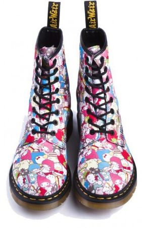 hello_kitty_docs_3_337x540