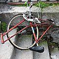 vélo dézingué_2753