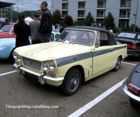 Triumph herald Vitesse 6 convertible de 1963 (Tako Folies Cernay 2011) 01