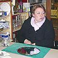 Céline dans son atelier gravure/verre