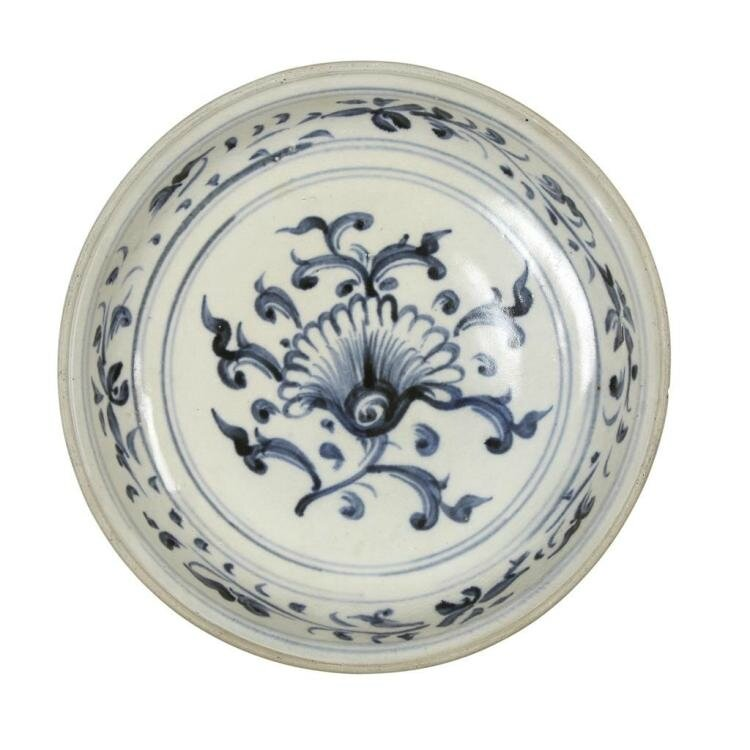 A Vietnamese blue and white 'Flower' circular dish, 16th century