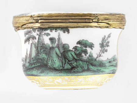 A_Meissen_gold_mounted_oval_snuff_box_from_the_toilet_service_for_Queen_Maria_Amalia_Christina_of_Naples_and_Sicily__Princess_of_Saxony__circa_1745_476