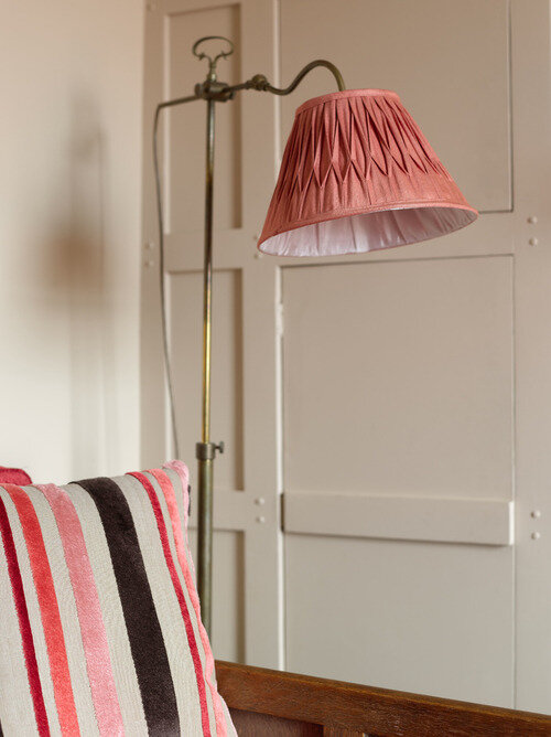 antque+lamp+with+silk+shade-+seaside+retreat