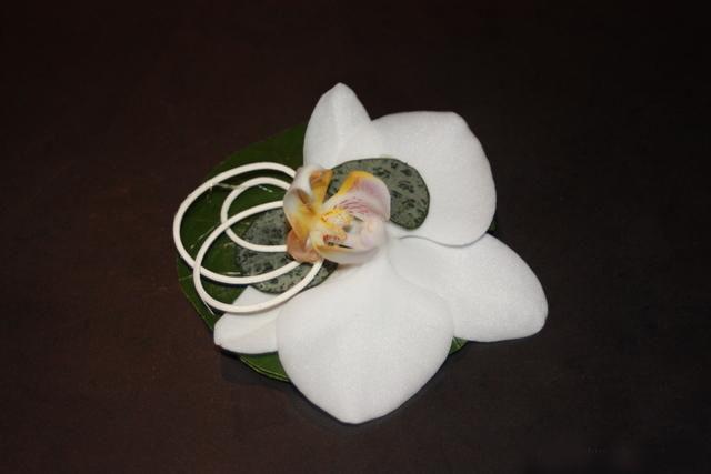 les_boutonnieres_la_nature_en_bouquet_mu5m7u