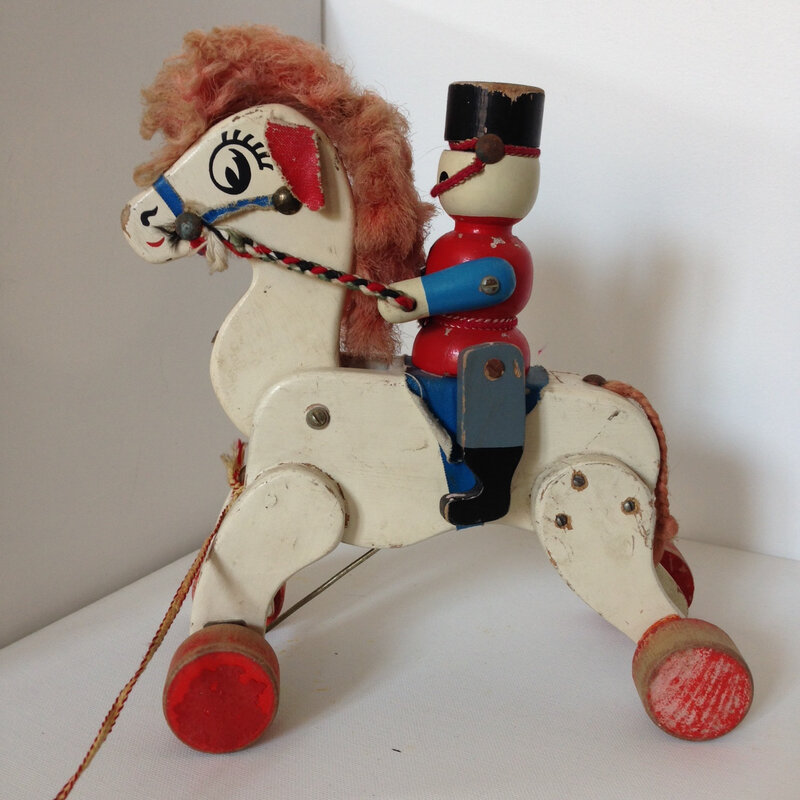 cheval en bois1
