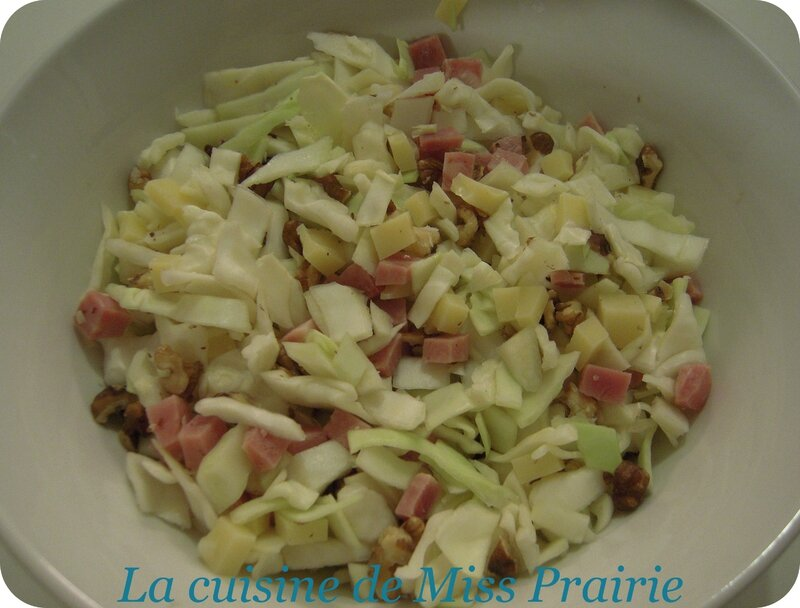 Salade chou-jambon-gruyère-noix