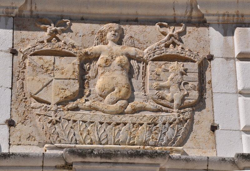 1-Patricia fronton du chateau de Sassenage, la fée Mélusine
