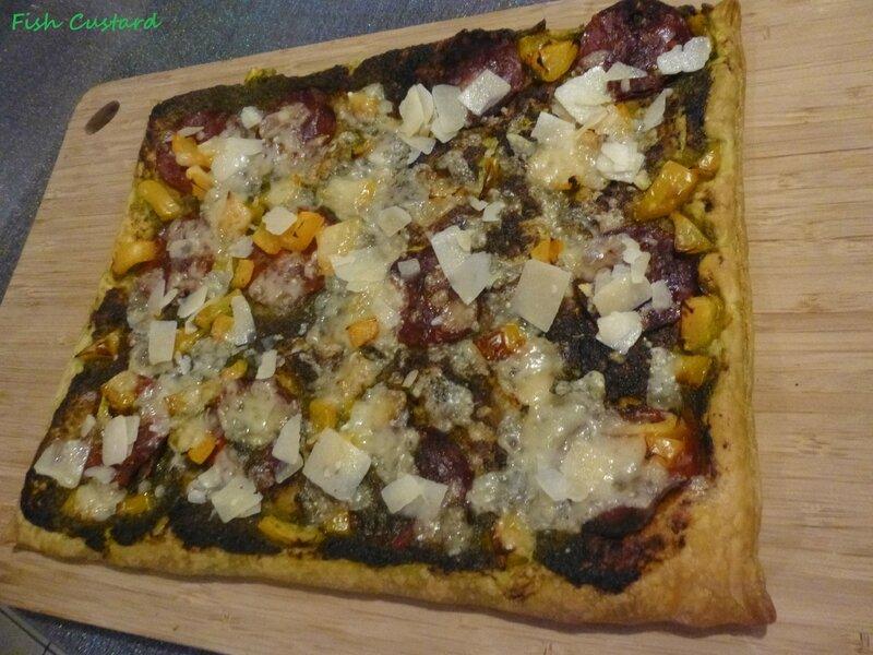 Tarte feuilletée au pesto, chorizo, poivrons et parmesan (1)