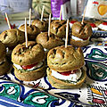 Mini burgers pesto-chèvre-tomate
