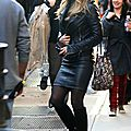 Jennifer Aniston leather skirt 1016