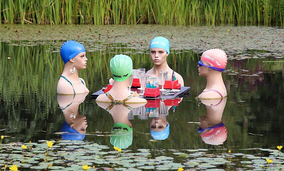 swimmers-415823__340