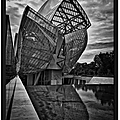 Fondation louis vuitton - paris 2015 - en noir et blanc