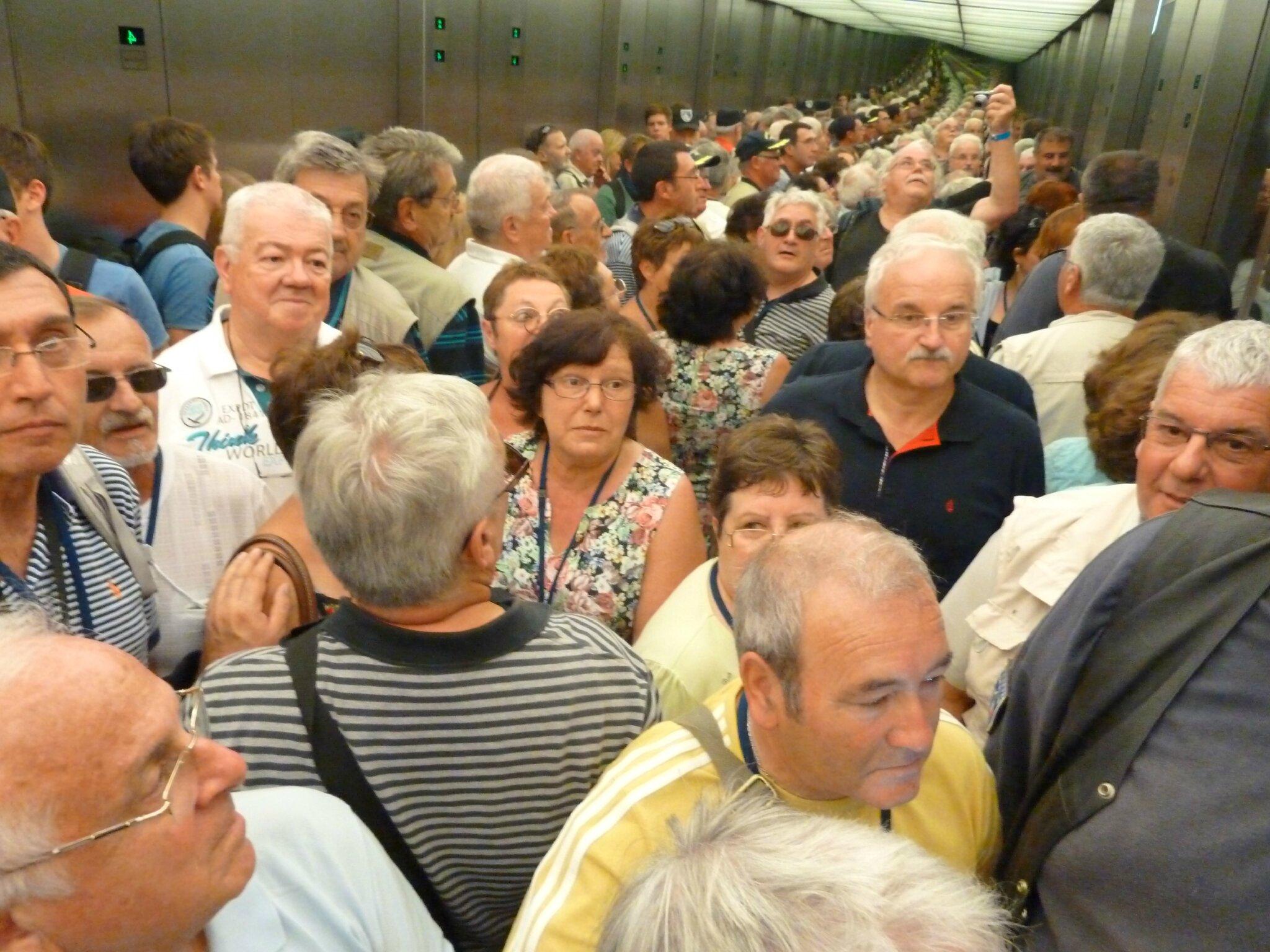 173 Visite du Reichstag - 001 L'ascenseur