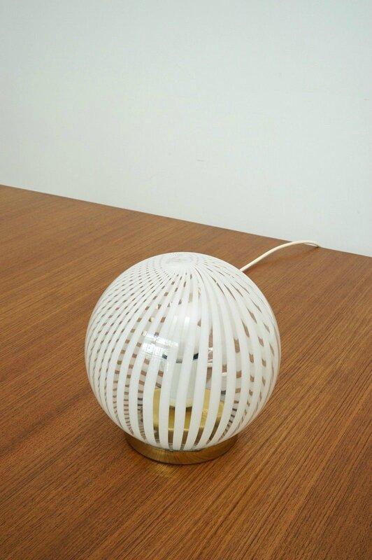 lampe boule gravée 5