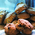 Scones gourmands aux raisins, cranberries et golden syrup