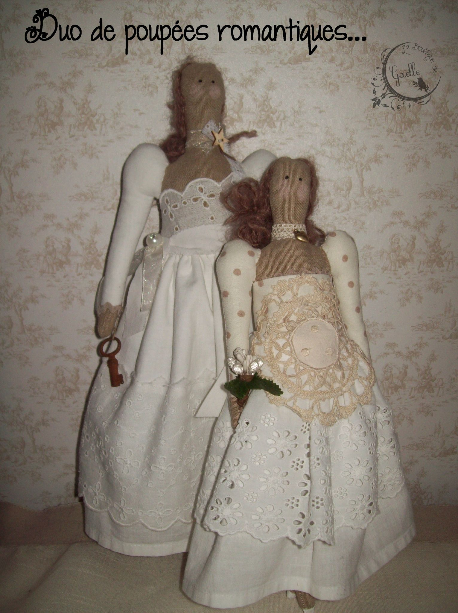 Duo de poupées romantiques...