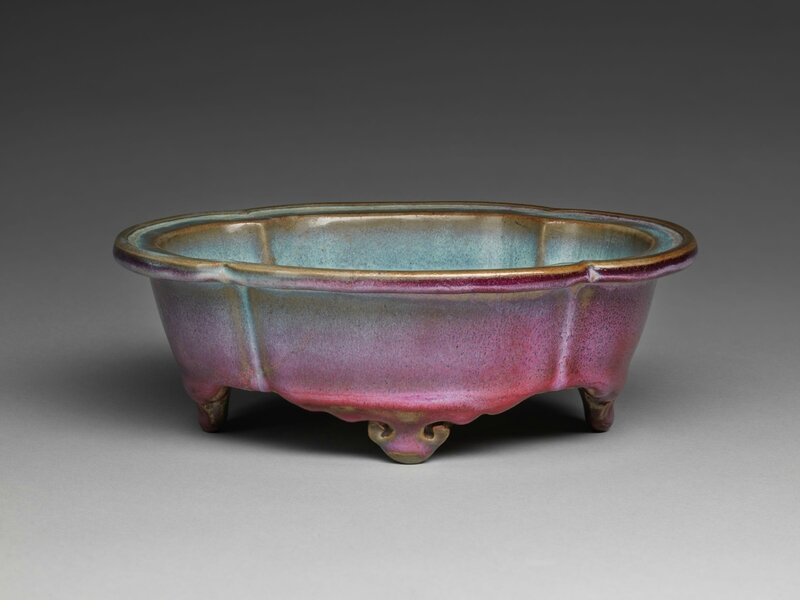 Lobed Quatrefoil Basin with Four Cloud Scroll Feet, Ming dynasty, 1368-1644, probably 15th century (1)